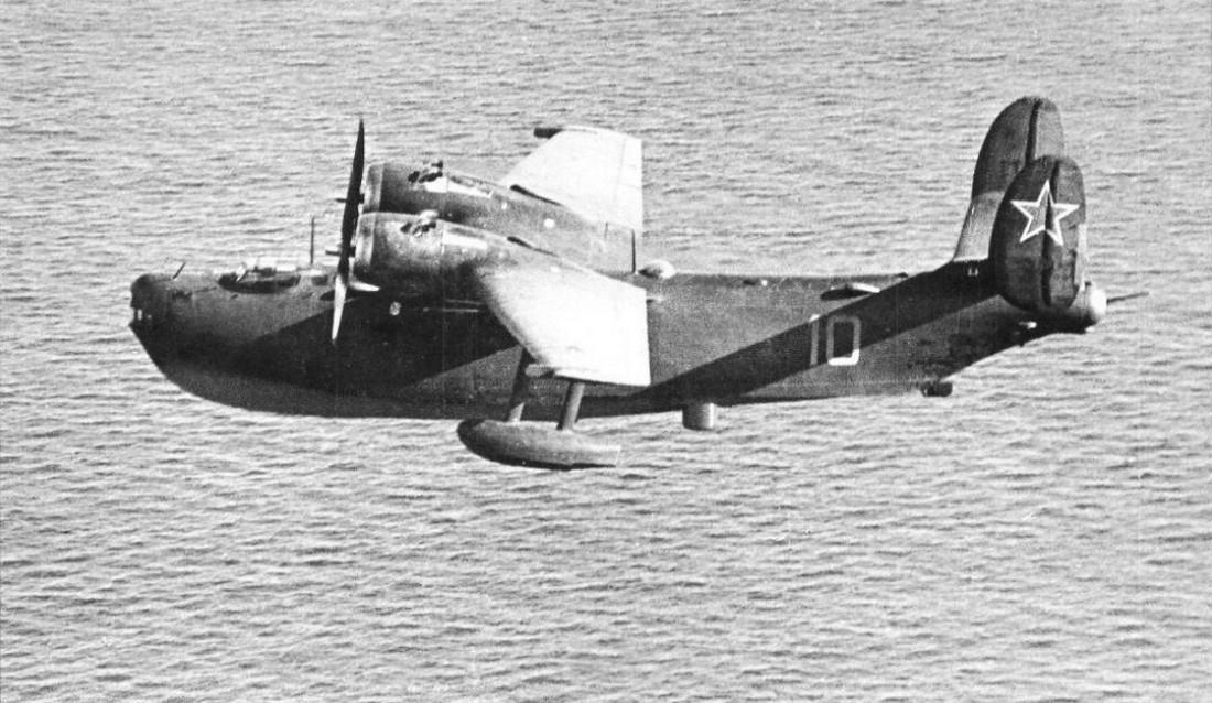Гидросамолёт ОКБ Г.М.Бериева Бе-6 в полёте