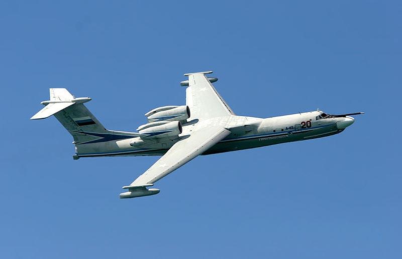 Советский самолёт-амфибия А40 Альбатрос в полёте