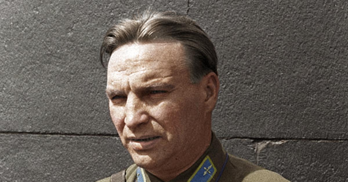 Прославленный лётчик-испытатель Валерий Павлович Чкалов