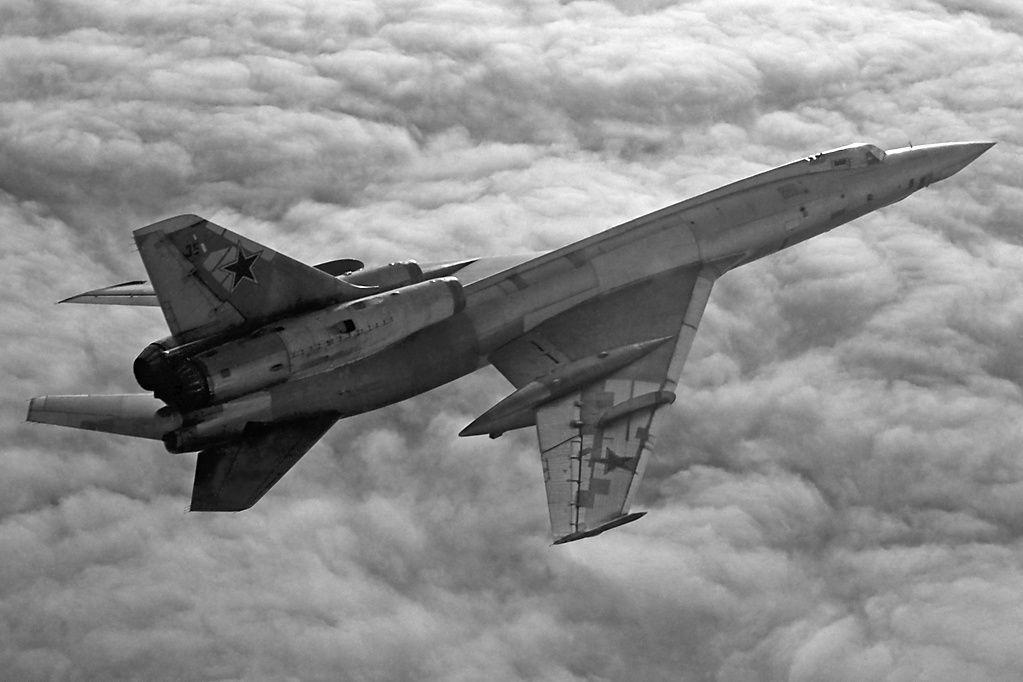 Ту-22 в полёте